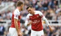 Arsenal legend rates chances of Ozil joining Man United