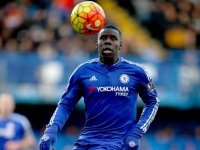 Chelsea defender to open talks with PL clubs
