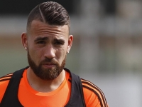Otamendi not happy at Man City