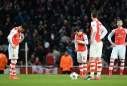 Wenger finally gives up on Premiership title