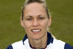 Arsenal appoint Kelly Smith as player-coach