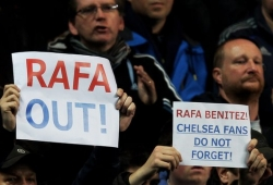 Chelsea:Benitez boos will continue-fans