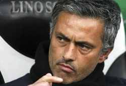 Mourinho complains about United's schedule