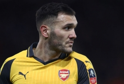 Arsenal forward's agent denies rumors