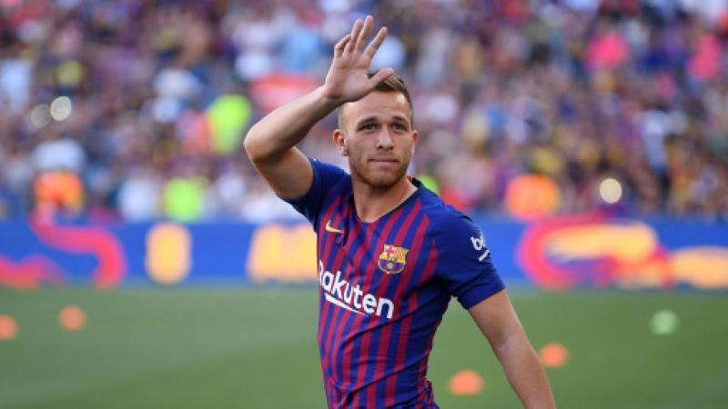 Arthur sold to Juventus