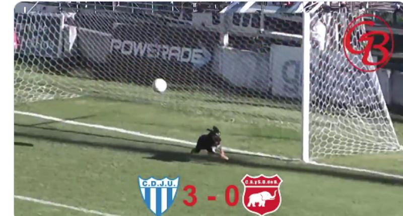 🧤🐕 WATCH: Dog Clears Ball Off The Line In Argentina