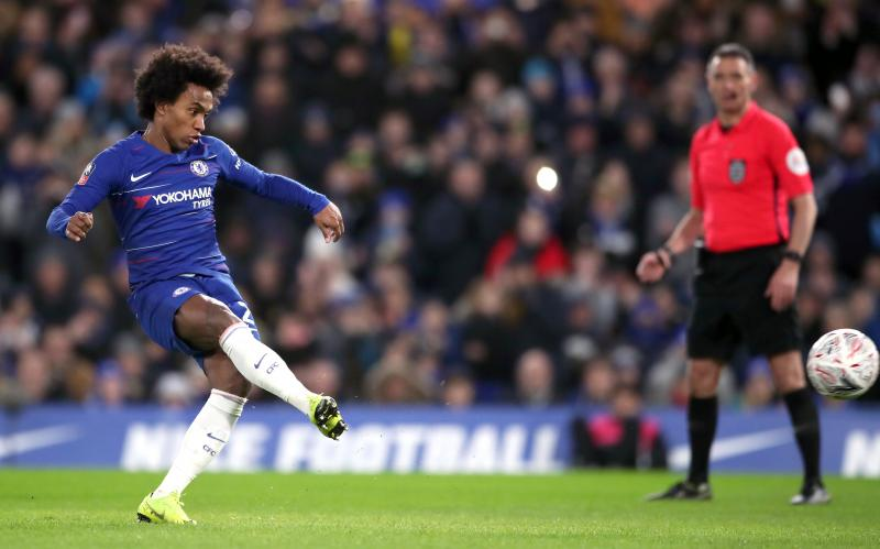 Sarri's confusing future update on Willian amid Barcelona links
