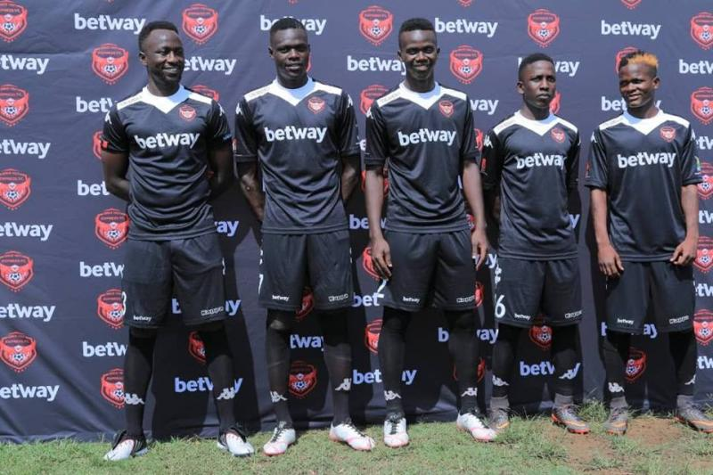Express unveil Umony, Zagga ahead of second round