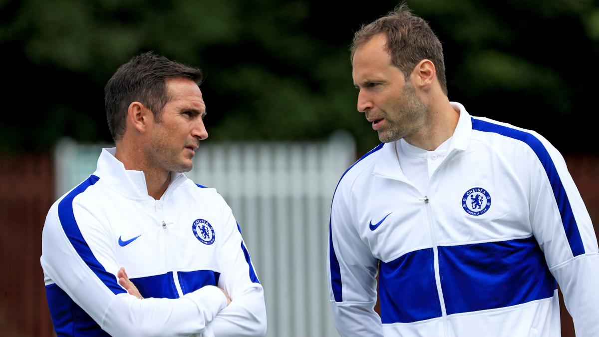 Frank Lampard sends warning to Chelsea stars