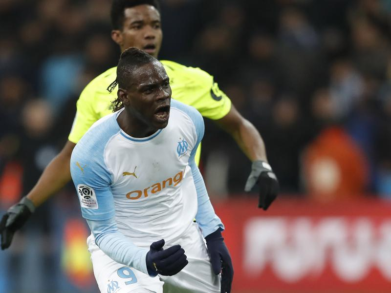 Balotelli posts a photo of Sven Yidah's celebration after Thauvin re-enacts it