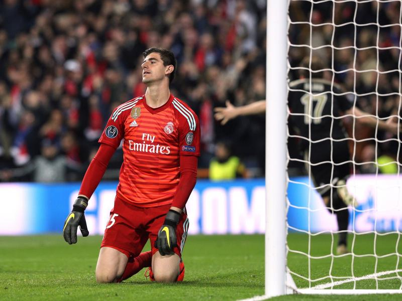 WATCH: Thibaut Courtois' howler against Russia