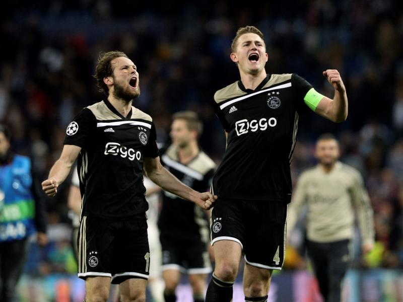 Barcelona back in pole position to land De Ligt