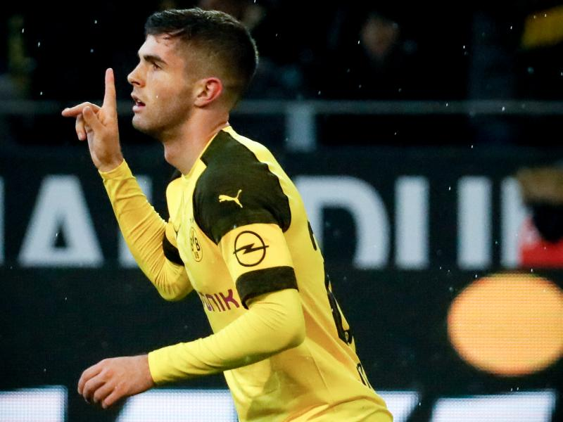 Pulisic given emotional send off ahead of Chelsea move