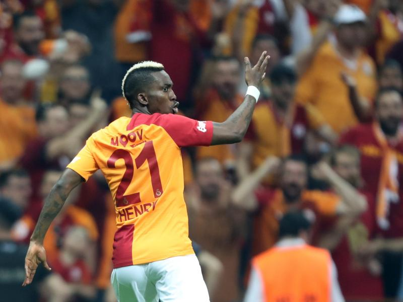 Napoli offer £14m for Nigerian striker Henry Onyekuru