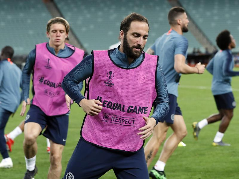 West Ham interested in former Chelsea ace Higuain