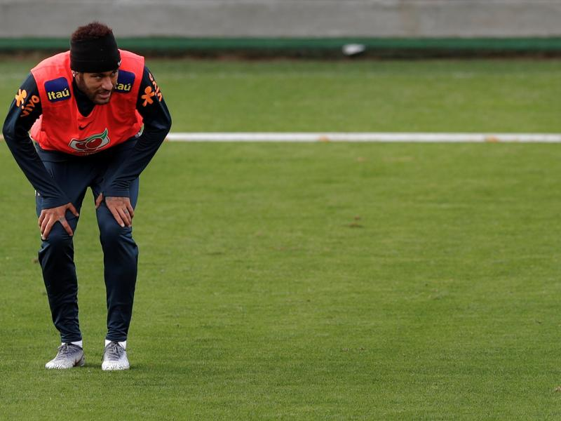 Neymar out of PSG squad for Rennes test
