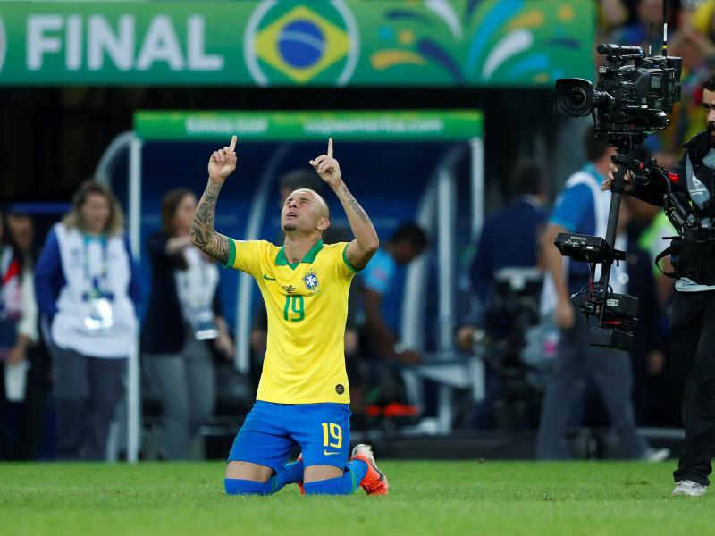 🗣🇧🇷 🔴 Arsenal reportedly agree €40m deal for Everton Soares