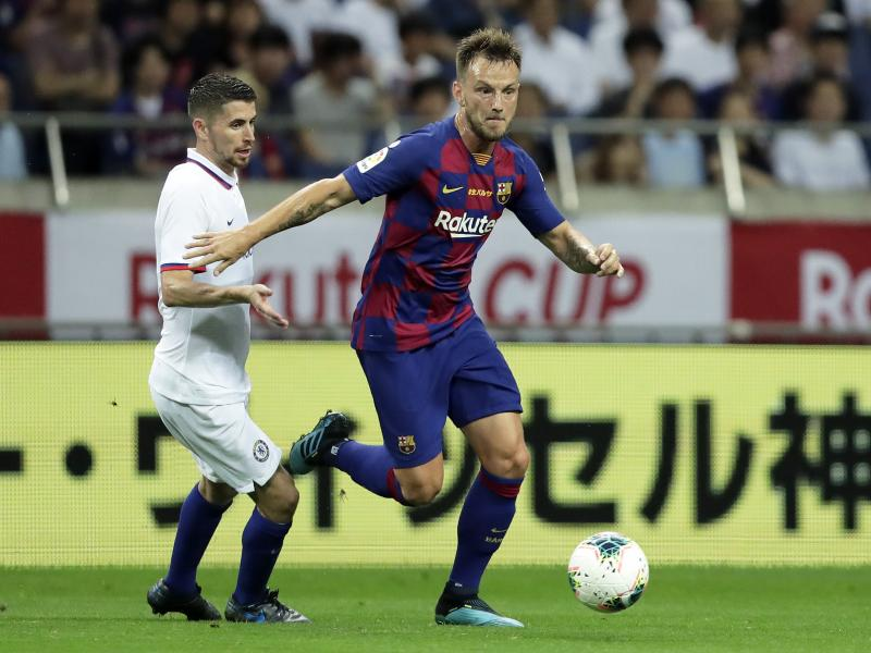 Barcelona turn down £13 million bid from EPL club for Rakitic