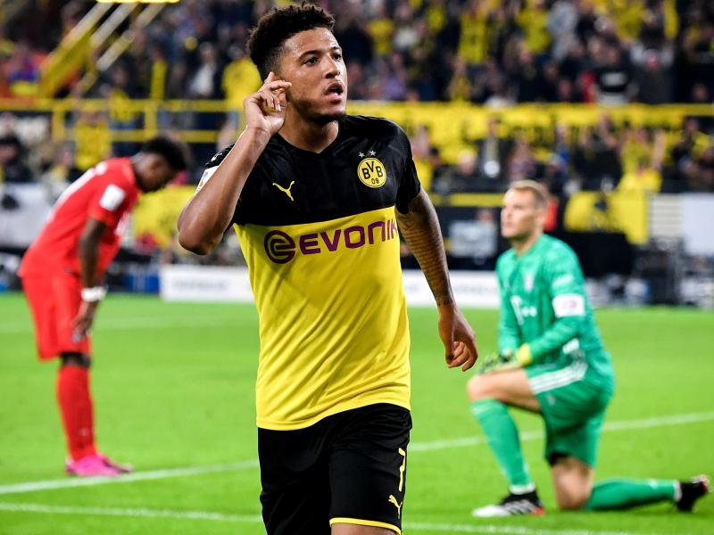 Borussia Dortmund manager hands Manchester United hopes of signing Jadon Sancho