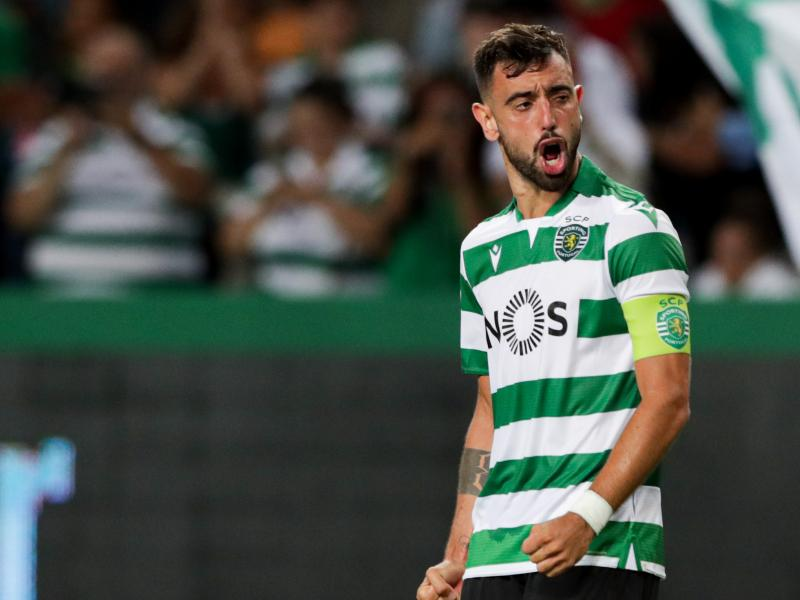 super popular da145 d6b44 Cristiano Ronaldo baffled by Bruno Fernandes not leaving ...