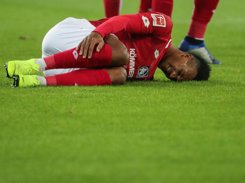 Everton suffer blow as Jean-Philippe Gbamin sustains thigh injury