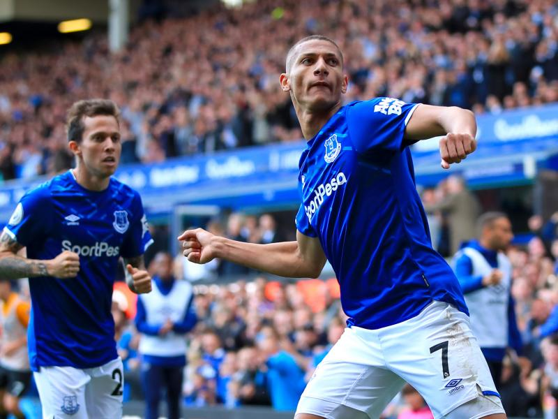 BREAKING: Richarlison signs a new contract at Everton