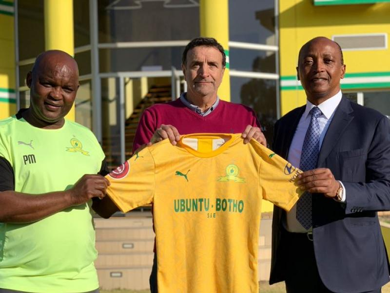🇿🇦👆🏾🤝 Sundowns appoint former Barcelona man to lead youth