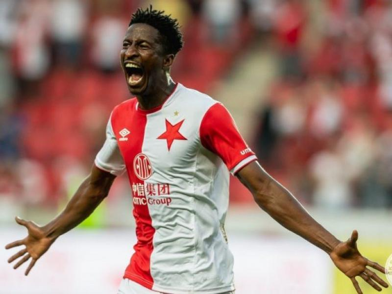 Nigerian striker Olayinka recalls rough beginning