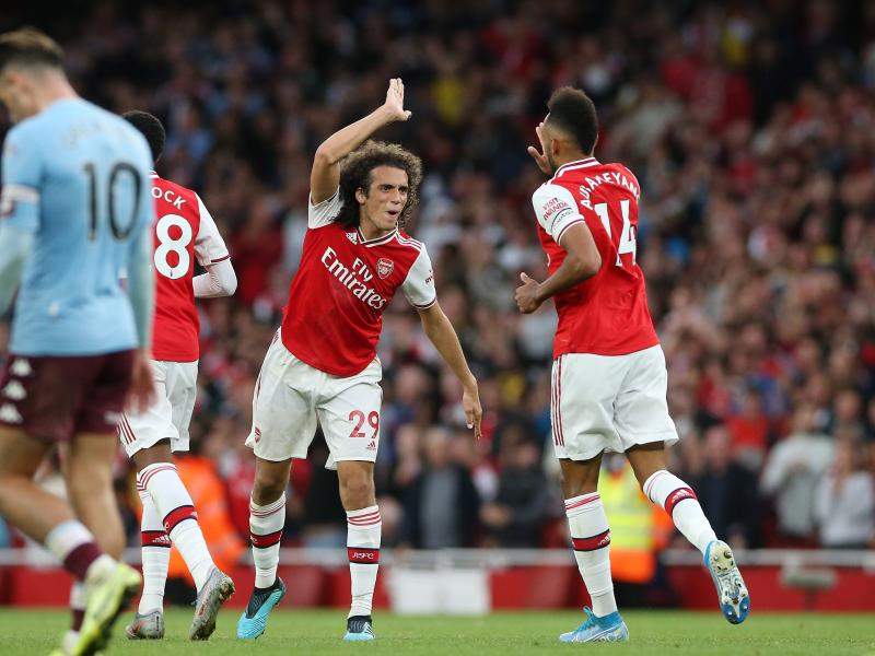 Unai Emery reacts to Matteo Guendouzi's performance against Aston Villa