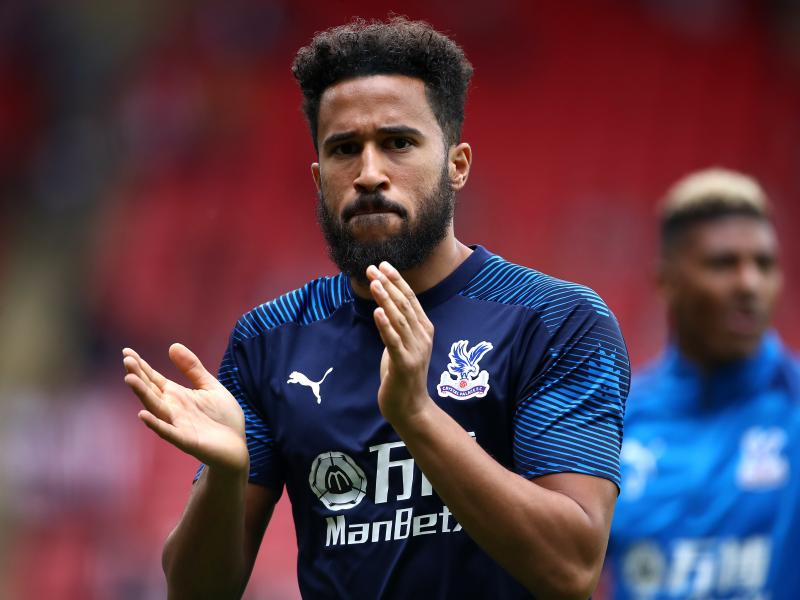 Crystal Palace winger disappointed by government 'deflecting blame' to footballers in fight against Coronavirus