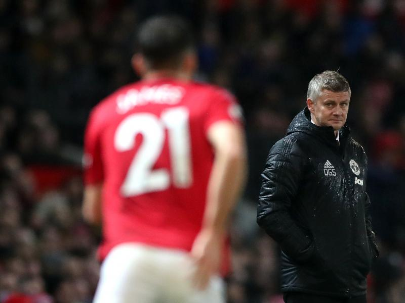 Solskjaer will need 10 transfer windows to build good team - former Man United great
