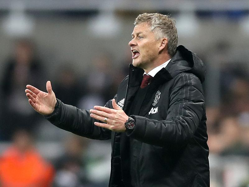 Ole Gunnar Solskjaer reveals what he told his players at half time against Alkmaar