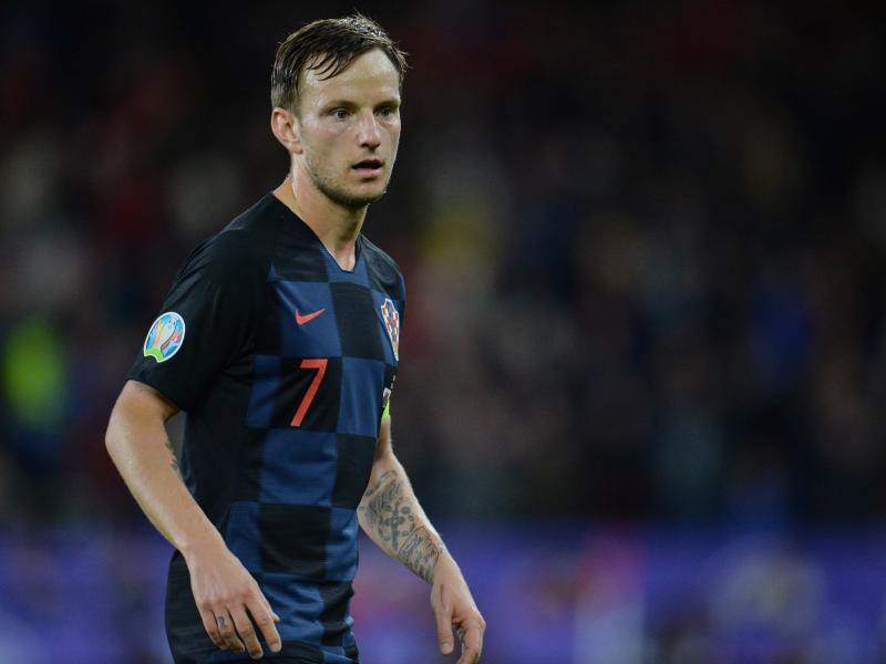 Man United open talks with Barcelona over sale of Ivan Rakitić