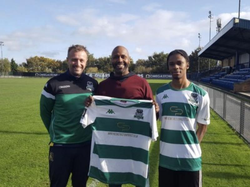 🇿🇦✈️🏴󠁧󠁢󠁥󠁮󠁧󠁿 Lucas Radebe's son signs for English club