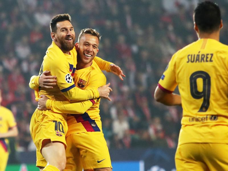 Messi sets new record in Barcelona's ugly win