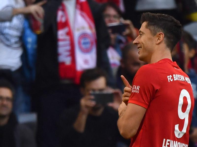 Lewandowski named October Player of the Month