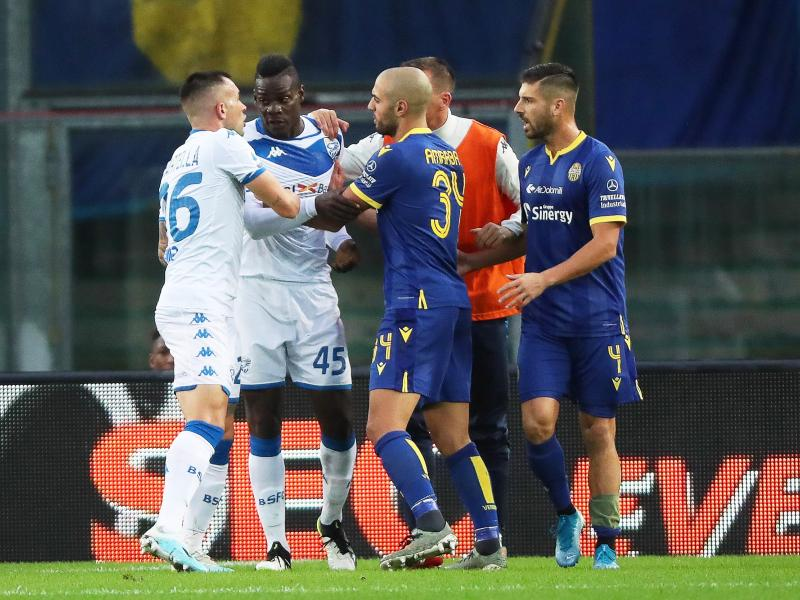 Verona coach denies Balotelli received racist abuse