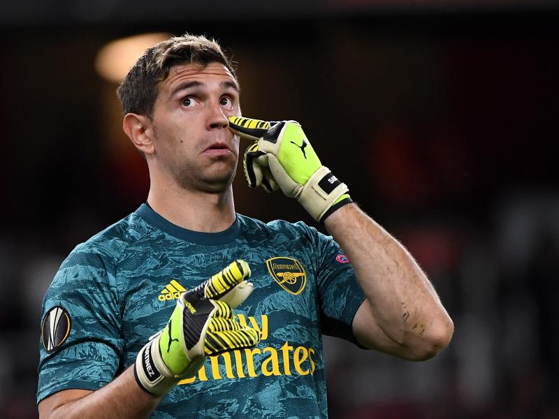 Arsenal goalkeeper Emiliano Martinez responds after liking 'Unai Emery out' post
