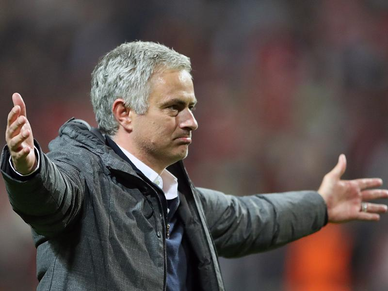 Report: Real Madrid lured Mourinho with £12M to reject Spurs offer