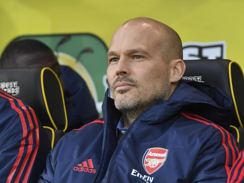 Freddie Ljungberg fires back at Paul Scholes after criticizing his dress code