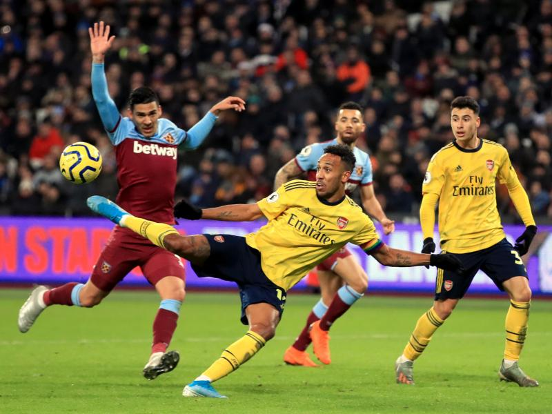 West Ham 1-3 Arsenal: Gunners score three quick goals to hand Ljungberg his first win