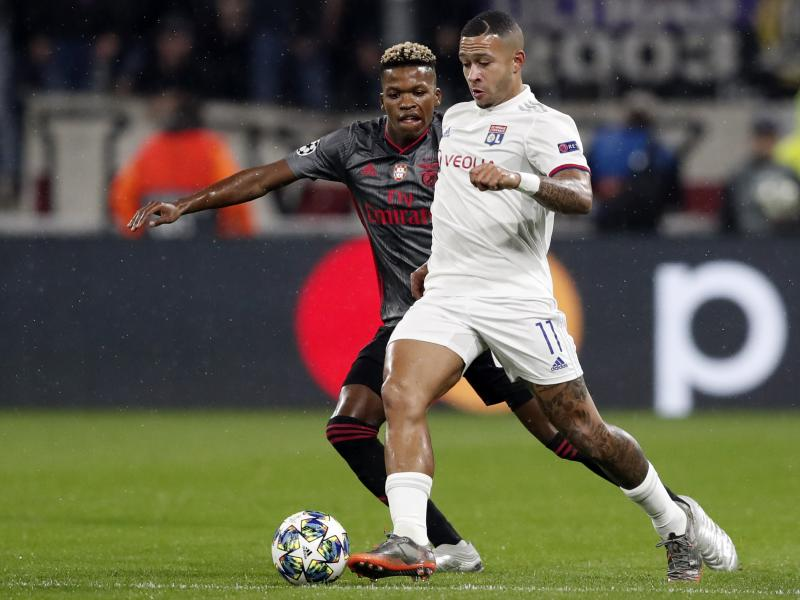 Memphis Depay dismisses talk of a January switch to Barcelona