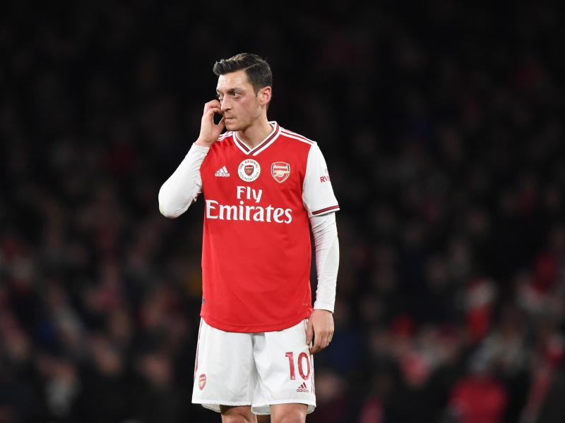 Freddie Ljungberg speaks on Mesut Ozil's reaction after being substituted