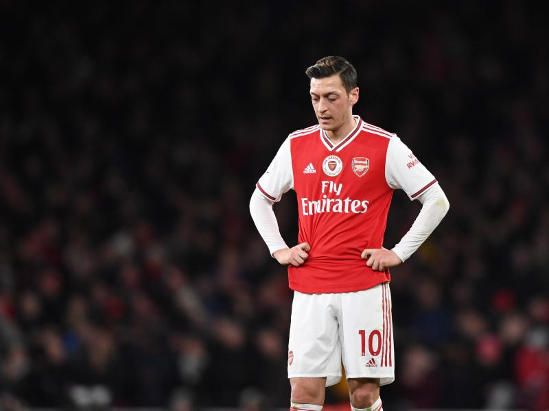 Mesut Ozil says goodbye to Arsenal as Fenerbahce move inches closer