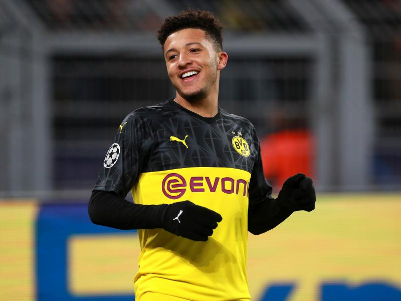 Barcelona urged to rival Manchester United for winger Sancho