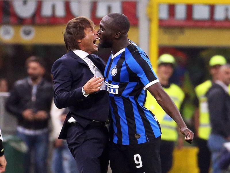 Conte hits back at fans who branded Lukaku a donkey