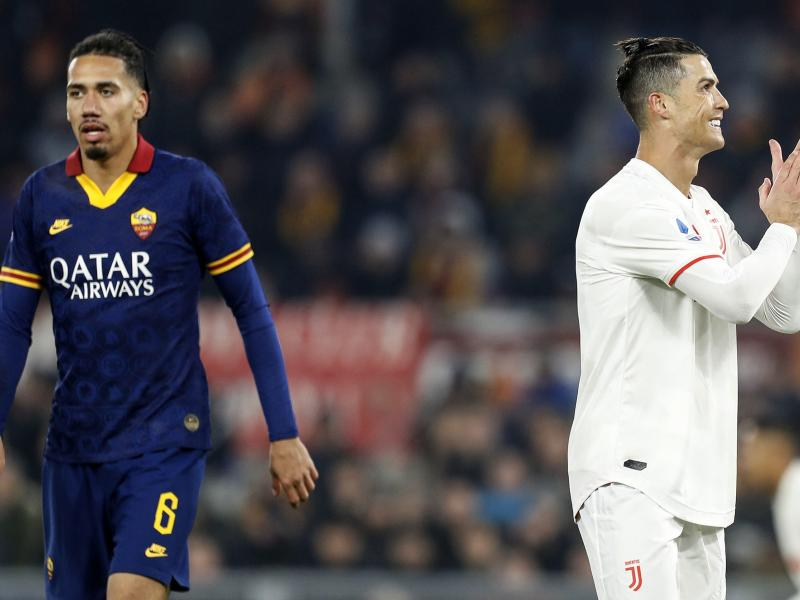 📺 WATCH: Cristiano Ronaldo embarrasses Chris Smalling with stunning skill