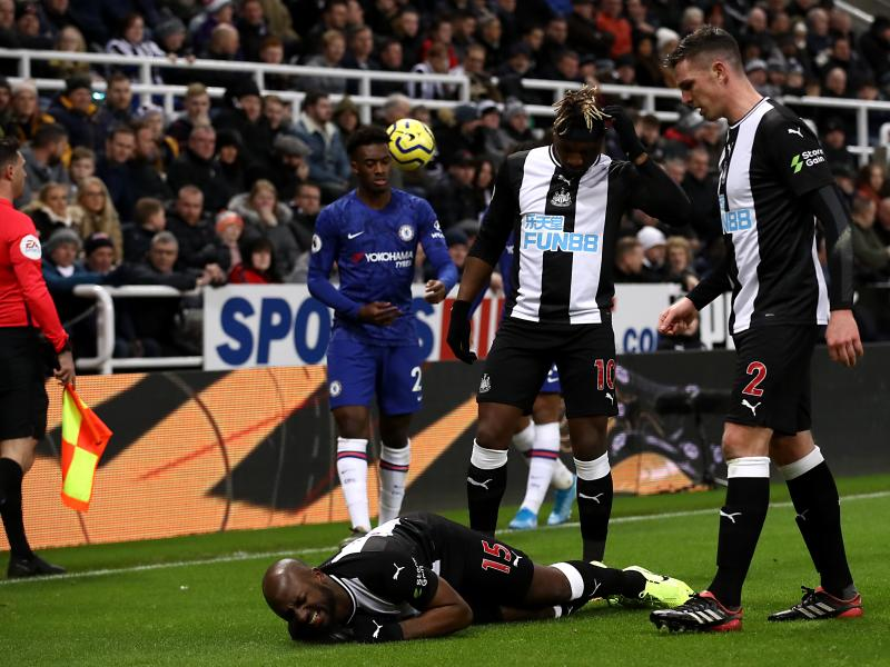 Newcastle United defender Jetro Willems shares with fans the extent of his injury