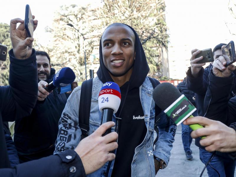 📺 WATCH: Ashley Young's initiation at Inter Milan