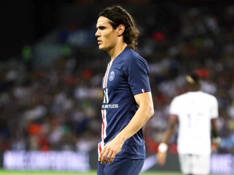 Cavani rejects Manchester United offer